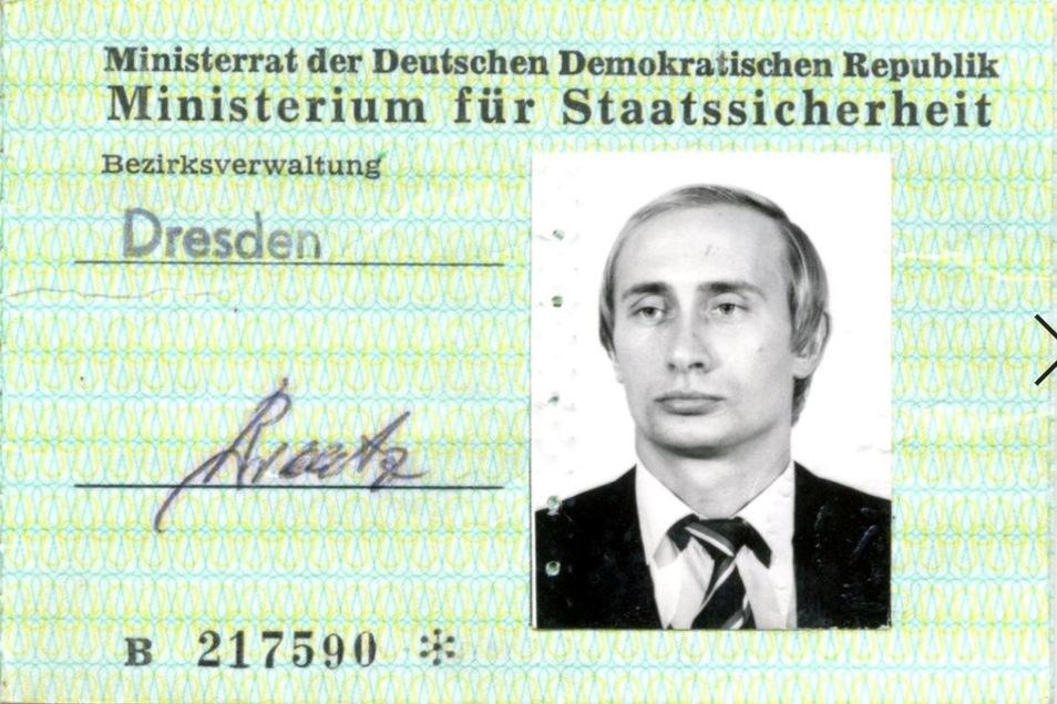 Putins Zugangsausweis für die Stasi-Behörde auf der Bautzner Straße in Dresden. Foto: BStU