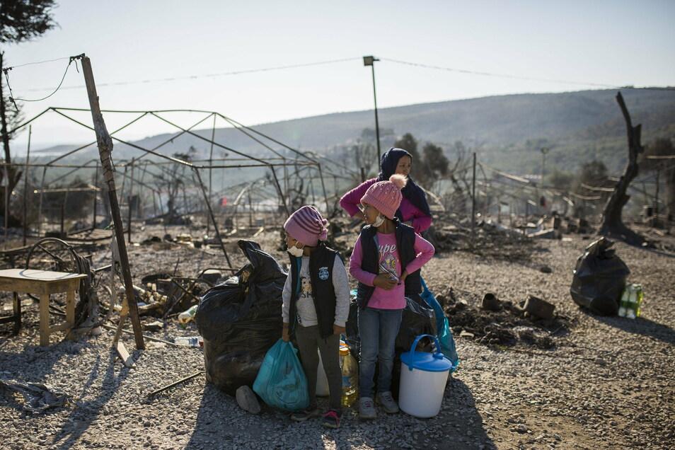 Ein ausgebranntes Flüchtlingslager auf der griechischen Insel Lesbos: Die Linke im Kreis will Minderjährige herholen.