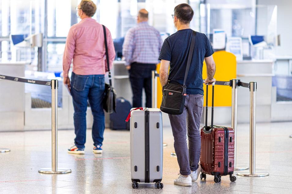 Die Bundesregierung arbeitet an Vorgaben für mehr Tests für Reisende.
