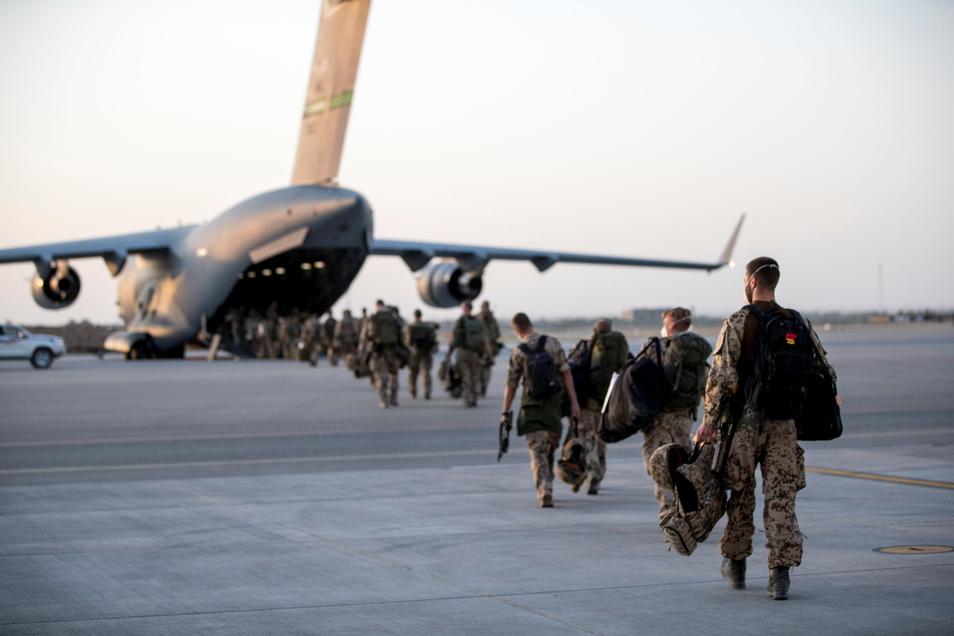 Die letzten deutschen Soldaten haben am Dienstagabend Afghanistan verlassen.