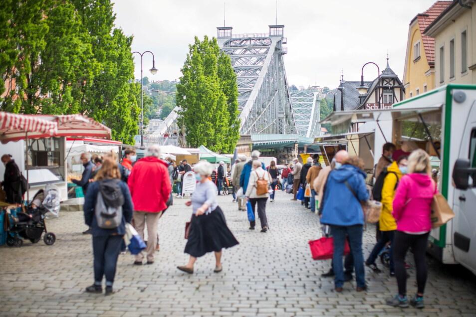 Wochenmarkt-Kunden auf dem Schillerplatz dürfen die nächstgelegenen Parkplätze künftig nicht mehr frei nutzen.