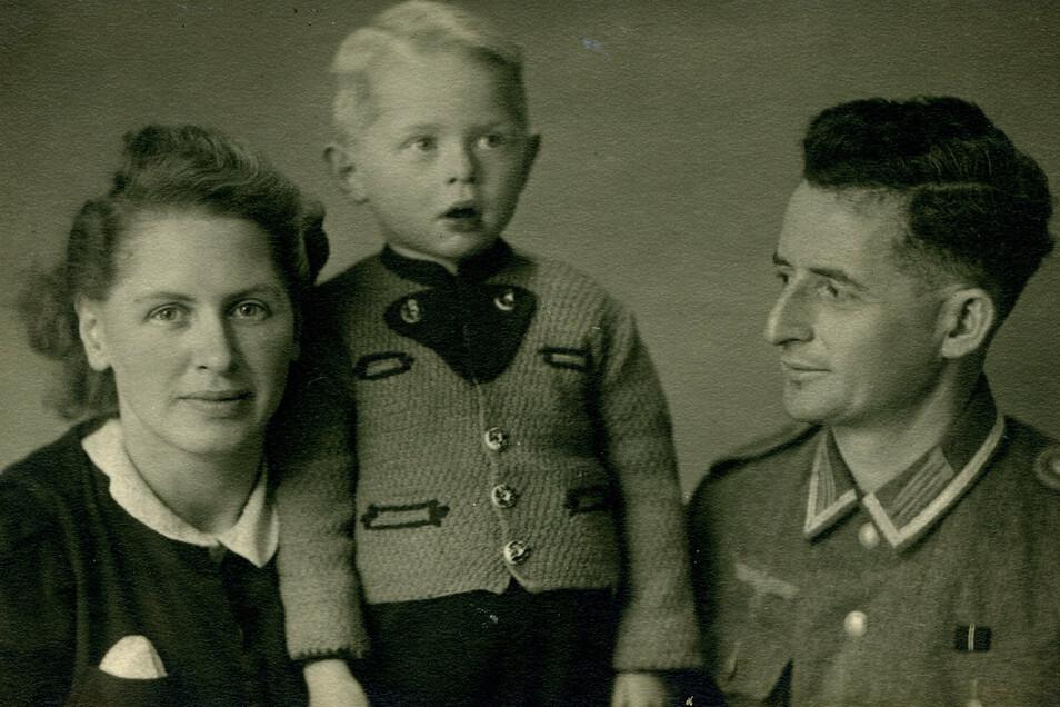 Der letzte Heimaturlaub: Ende 1943 darf der Uhrmacher Marcel Weise noch einmal nach Pirna fahren um seine Familie zu sehen. Erst nach Kriegsende, im Juni 1945, kehrt er für immer heim.