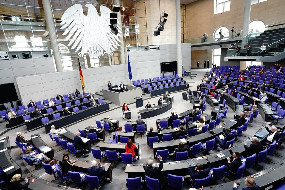 Abstimmung bei der Sondersitzung des Deutschen Bundestages am 29. Juni.