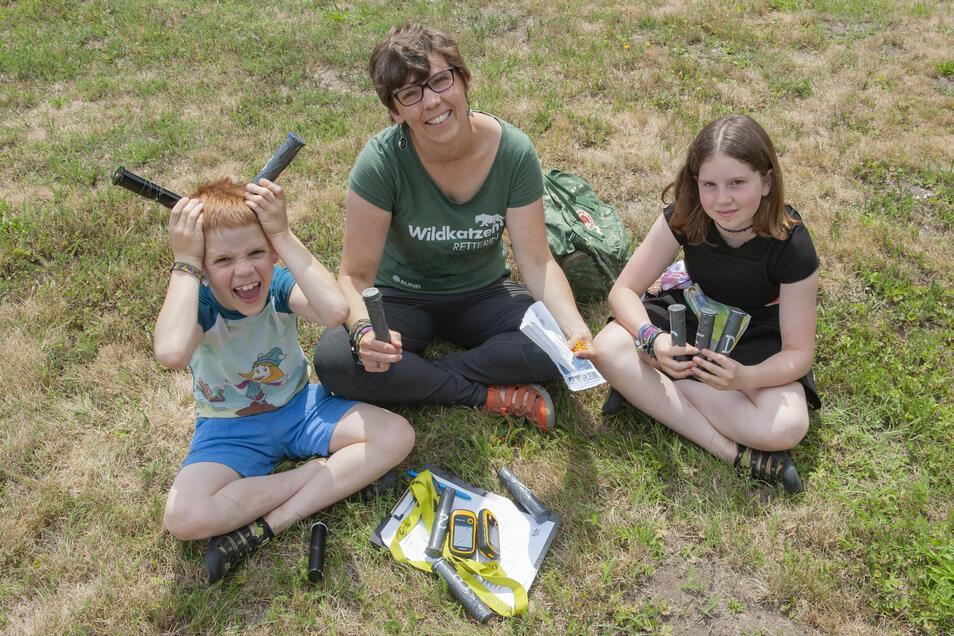 Franziska Schmidt hat mit ihren Kindern Fabiola (r.) und Kjell eine Geocaching-Tour durch den Stadtpark unternommen.