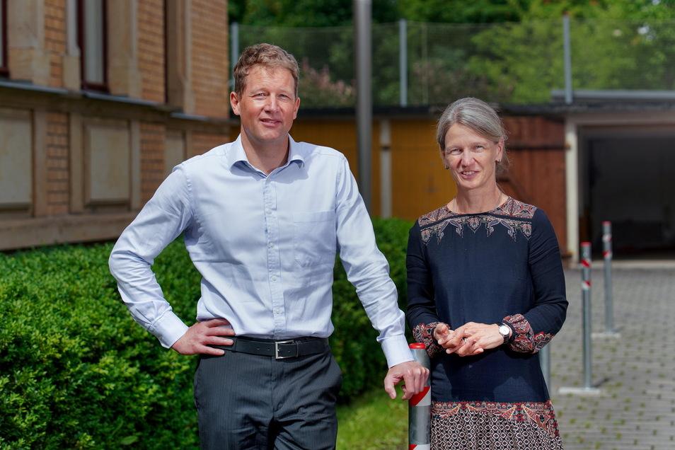 Dr. Katja Albertowski (Oberärztin an der Klinik für Kinder- und Jugendpsychiatrie und -psychotherapie) und Prof. Veit Rößner (Direktor der Klinik für Kinder- und Jugendpsychiatrie und -psychotherapie).