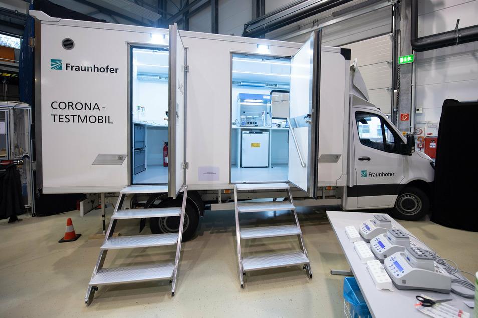 Der Prototyp des Corona-Testmobils, das künftig direkt an Hotspots schnelle und sichere Ergebnisse liefern soll.