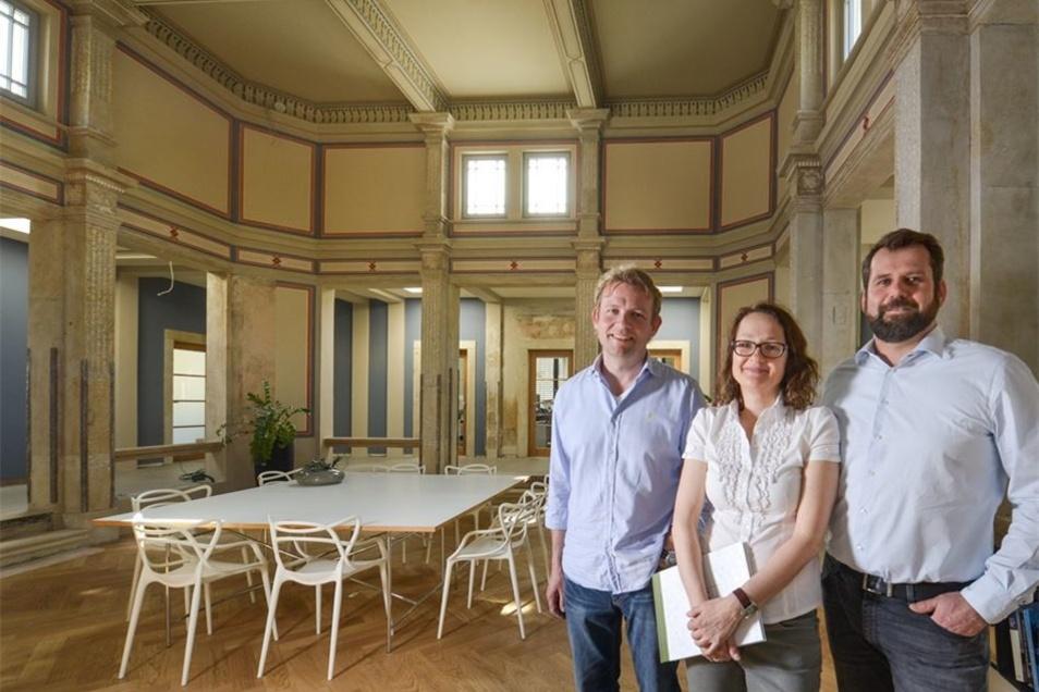 Bereits eingezogen sind Annien Rücker und Falk Doberenz mit ihrem Architekturbüro im einstigen Gesellschaftshaus, ebenso wie die Firma von Sebastian Rücker (re.).