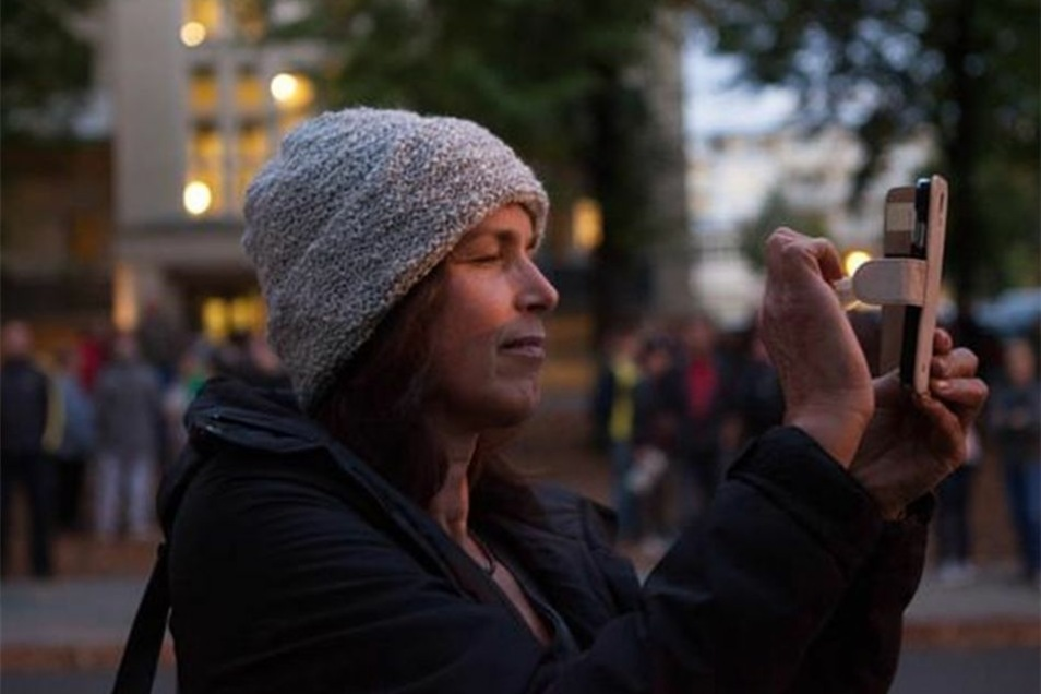 Auch die Ex-OB-Kandidatin von Pegida, Tatjana Festerling, tauchte an der Thäterstraße auf.