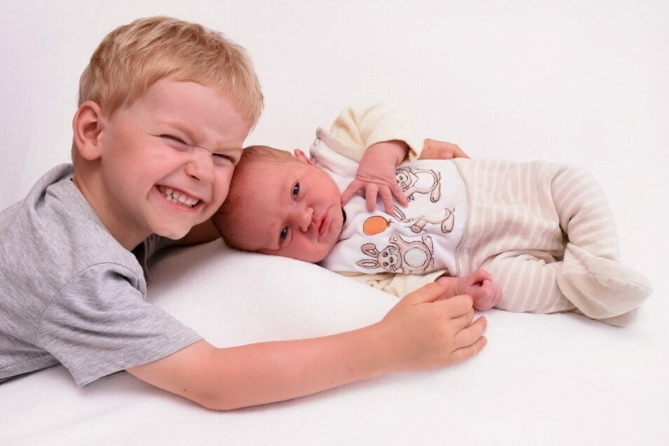Anna mit Bruder Otto, geboren am 14. Juli, Geburtsort: Kamenz, Gewicht: 3.990 Gramm, Größe: 56 Zentimeter, Eltern: Doreen und Torsten Förster, Wohnort: Bautzen