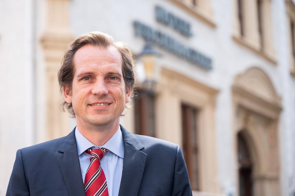 """Martin Vits ist Geschäftsführer des Romantik-Hotels """"Tuchmacher"""" in Görlitz. Händeringend sucht er Personal."""