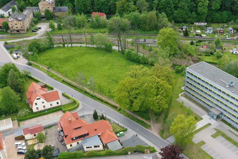Das Gelände zwischen Weißeritztalbahn und Landratsamt, wo früher die Jahr-Turnhalle stand, wird am letzten August-Wochenende zur Festwiese.