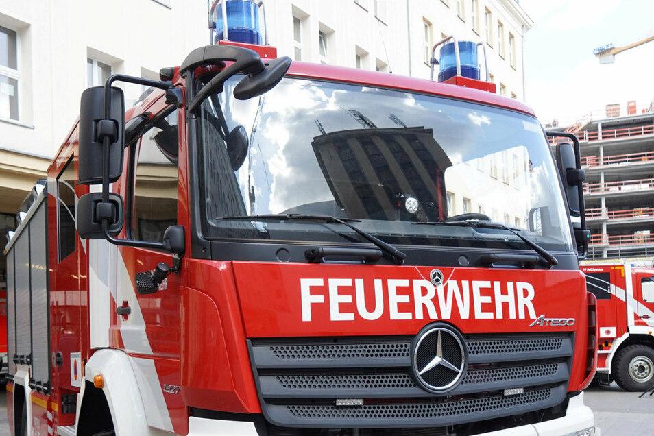 Bisher sind Feuerwehr-Einsatzfahrzeuge von Dieselmotoren angetrieben. In Berlin wird jetzt erstmals ein Elektro-Löschfahrzeug getestet.