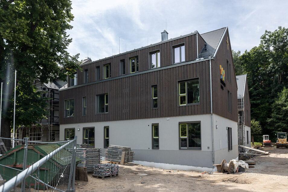 Diesen Monat noch geht der Innenausbau im Winfriedhaus in Schmiedeberg-Naundorf zu Ende. Im September wird die Wiedereröffnung gefeiert.