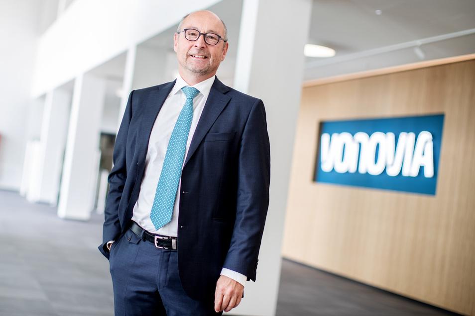 Der Vorstandsvorsitzende der Vonovia SE, Rolf Buch, in seiner Firmenzentrale in Bochum.