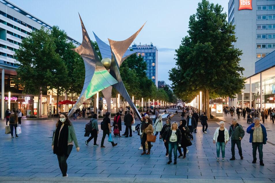 Am 1. Oktober 2021 wollen viele Geschäfte in der Dresdner Innenstadt ihre Türen bis 23 Uhr öffnen.