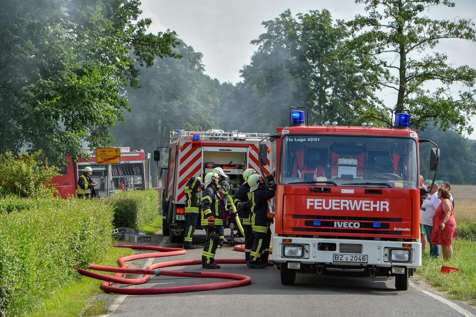 Mehr als 70 Feuerwehrleute waren im Einsatz.