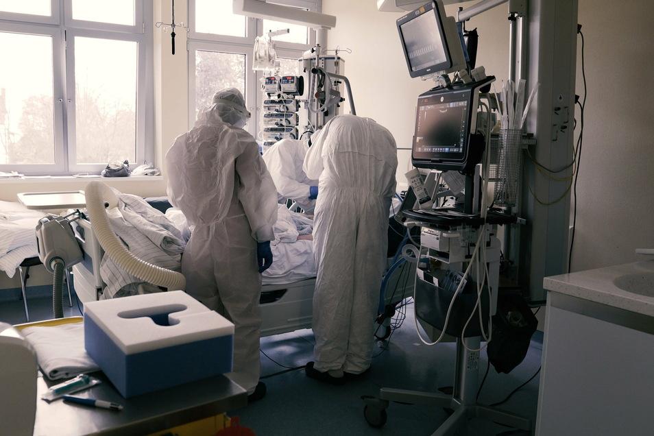 Auch die Intensivstation des Görlitzer Klinikums kam im November und Dezember an ihre Grenzen.