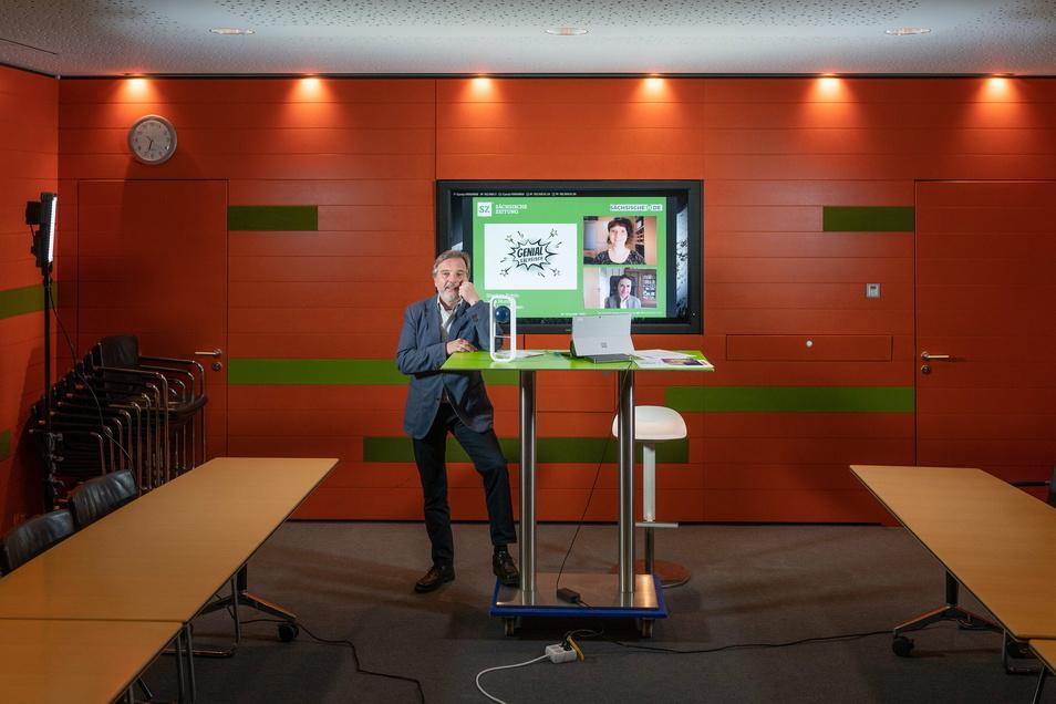 Die Preisverleihung der Deutschen Akademie für Technikwissenschaften ist digital. Hier im Meetingraum im Dresdner SZ-Hochhaus nimmt Stephan Schön der Preis digital entgegen - selbst dieser Raum ist wegen Corona ohne Gäste.