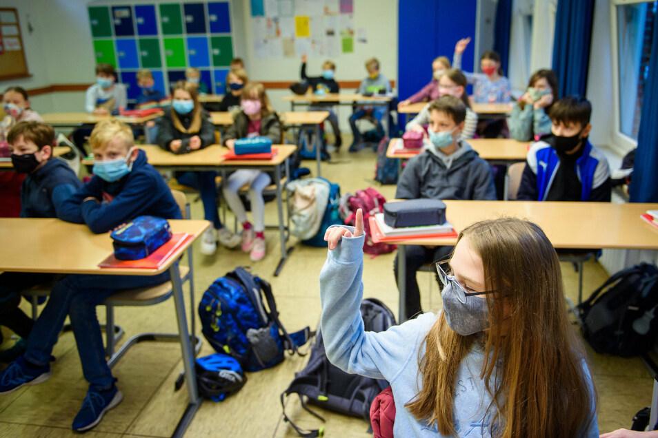 Im Kreis Bautzen üben immer mehr Eltern Kritik am Vorsitzenden des Kreiselternrates. Es geht um einen offenen Brief - und die Forderung, dass Kinder an Schulen keine Masken tragen müssen.