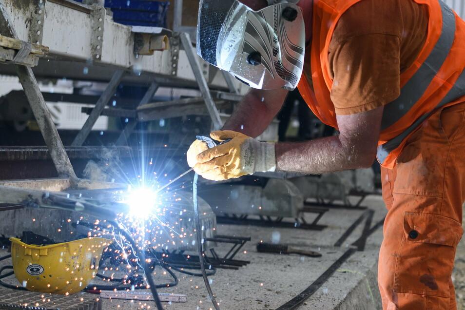 Die deutschen Arbeitgeber fordern, die Lebensarbeitszeit zu verlängern.