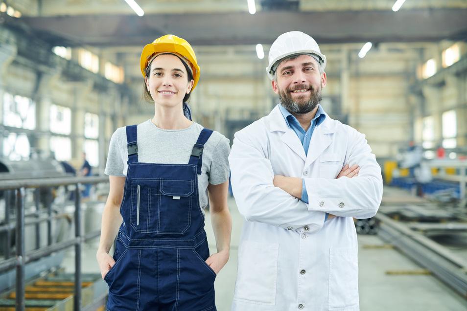 Bereit für eine Ausbildung im Handwerk? Die Handwerkskammer Dresden hat jetzt besonders engagierte Betriebe ausgezeichnet.