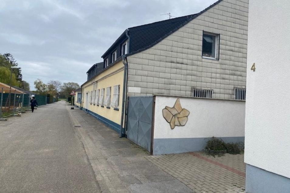 In diesem Gebäude in Geldern am Niederrhein war die Deutsche Schlüsseldienstzentrale GmbH untergebracht. Die zwei führenden Köpfe mussten wegen Betrugs und Wucher mehrere Jahre in Haft.