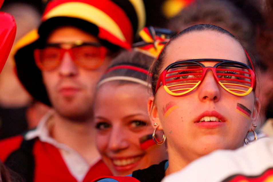 Das Spiel England gegen Deutschland können die Dresdner am Dienstagabend auf unter freiem Himmel schauen.