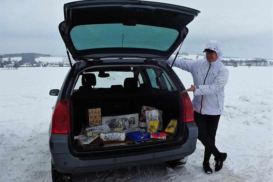 Mehr als 50 Geschenkpakete wird Günter Kuhr kommende Woche an ältere Menschen verteilen.
