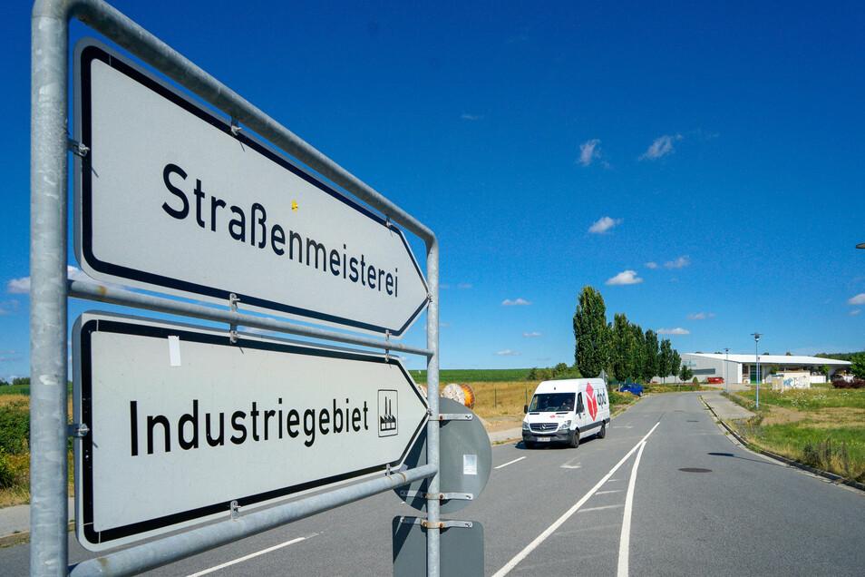 Zufahrt zum Gewerbe- und Industriegebiet Bischofswerda Nord 2: Die Stadt will hier weitere zehn Hektar erschließen.