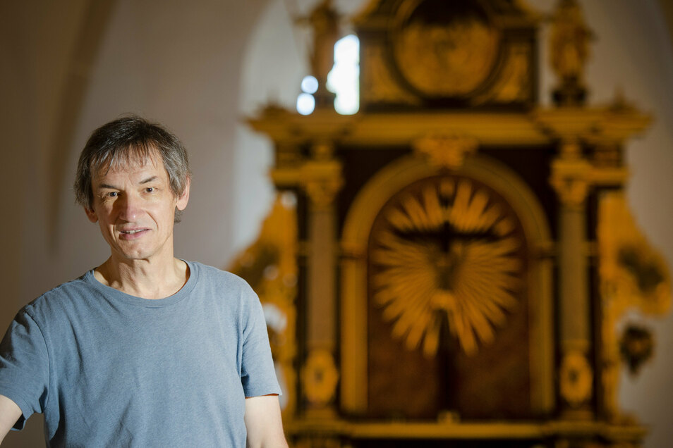 Pfarrer Martin Beyer freut sich auf den Sonntag. Dann kann sich jeder selbst vom frischen Aussehen der Kirche überzeugen.
