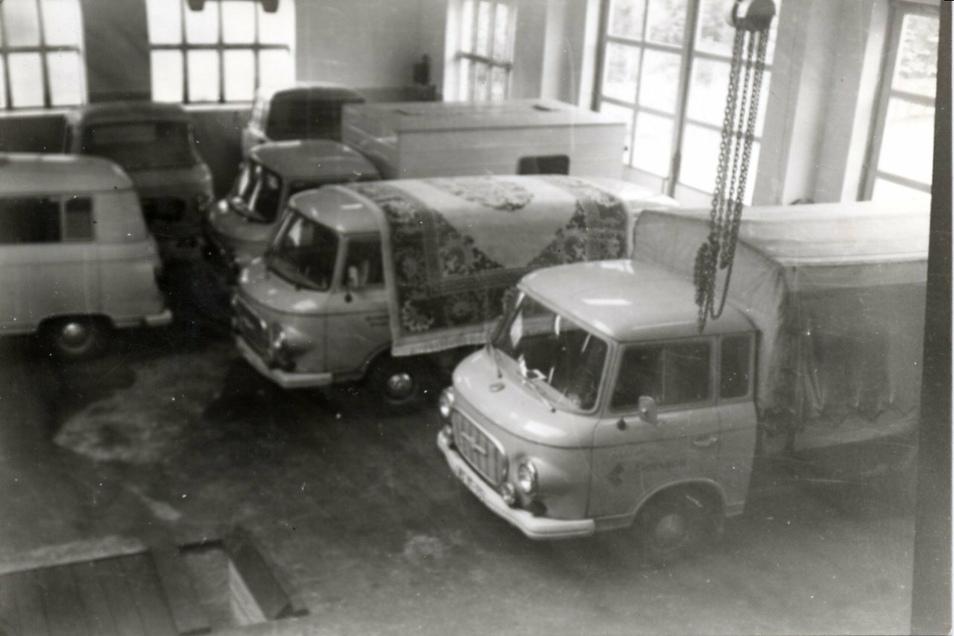 Karosserie, Motor, sonstige Teile - der Aufbau eines Barkas konnte sich hinziehen.