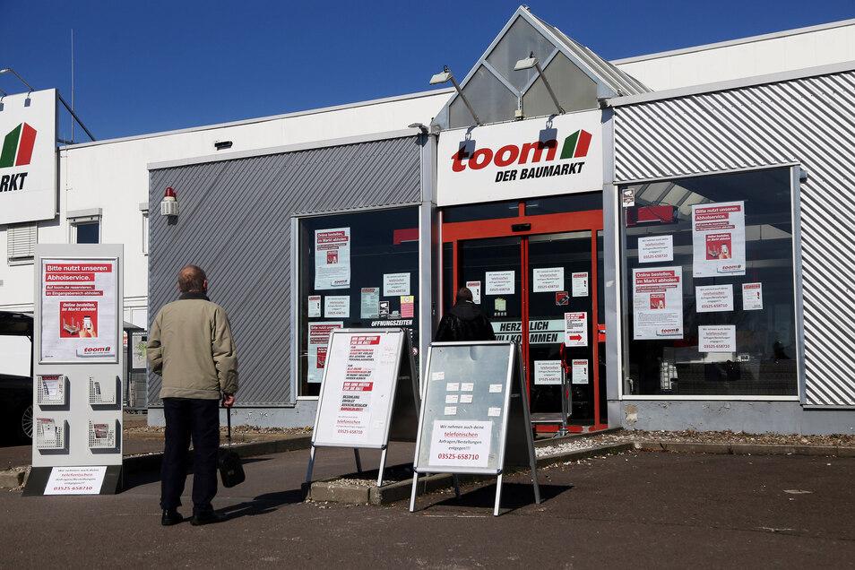 Bis Montag war im Toom Baumarkt in Riesa noch ein Sonderverkauf bei vorheriger Bestellung im Internet möglich.