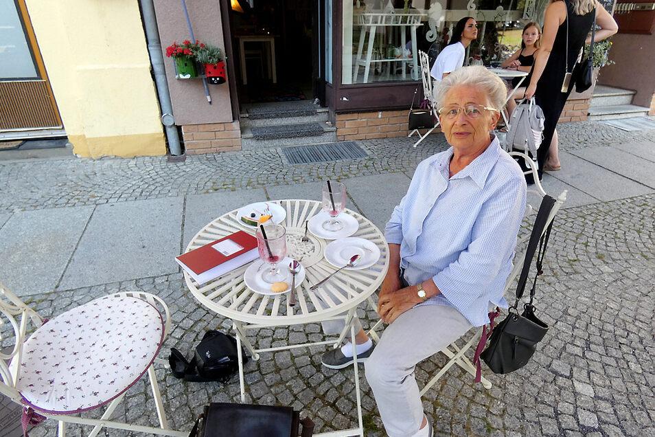 Monika Breitkreutz ist auch heute noch ein geselliger und umtriebiger Mensch.