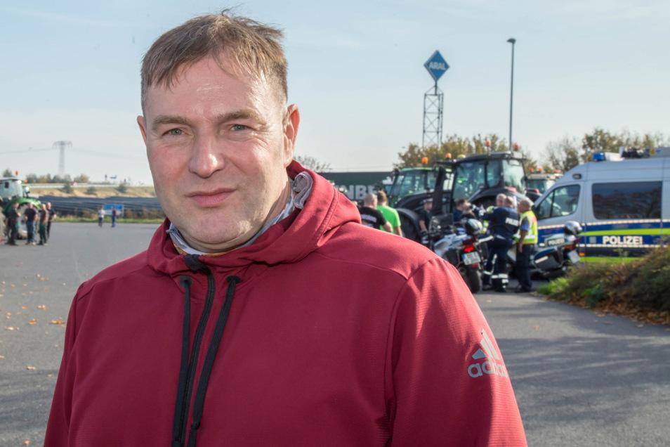 """Der Kemnitzer Landwirt Hagen Stark ist stellvertretender Vorsitzender des Vereins """"Land schafft Verbindung"""" Sachsen und organisiert die Proteste mit."""