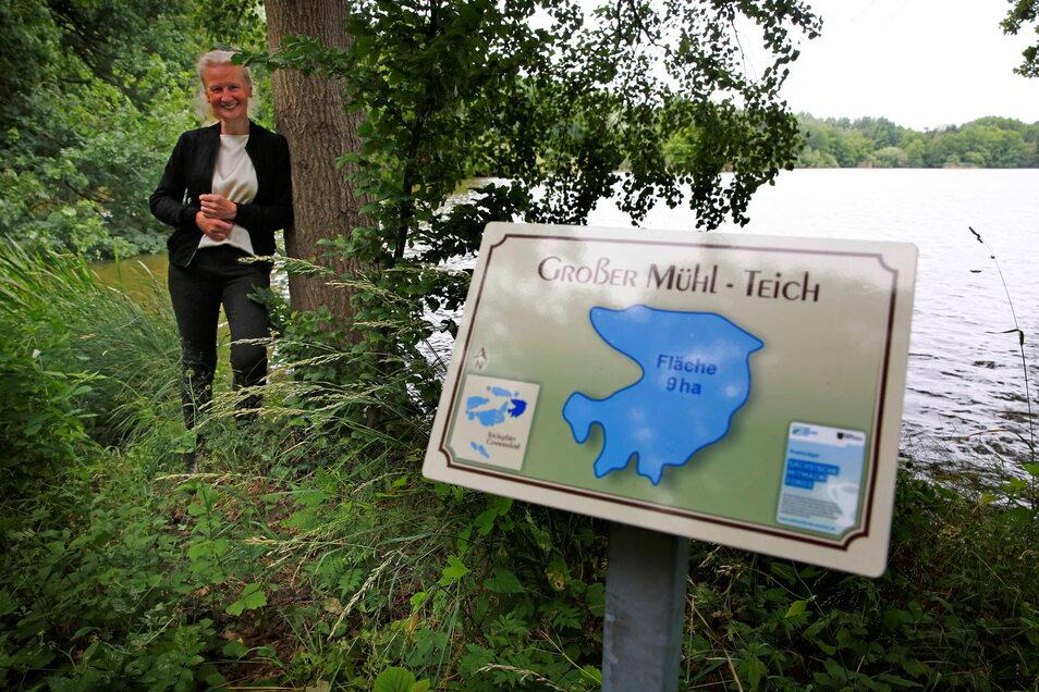 Wie die Teiche rund um den Kamenzer Ortsteil Cunnersdorf heißen, ist jetzt auf mehreren Tafeln zu lesen. Marlen Bräuer hatte die Idee dafür.