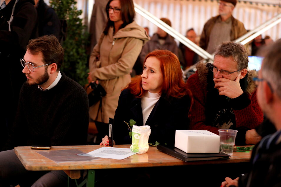 Lukas Rietzschel mit der grünen Landespolitikerin Franziska Schubert beim zweiten Ostritzer Friedensfest.