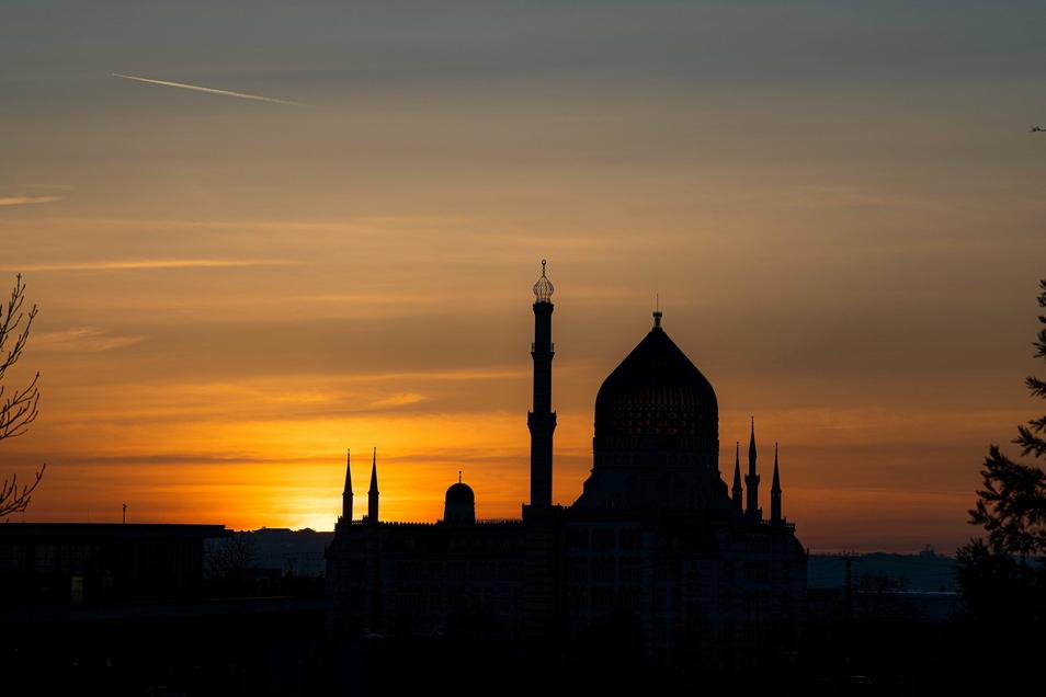 Der Sonnenuntergang über Dresden am Montagabend