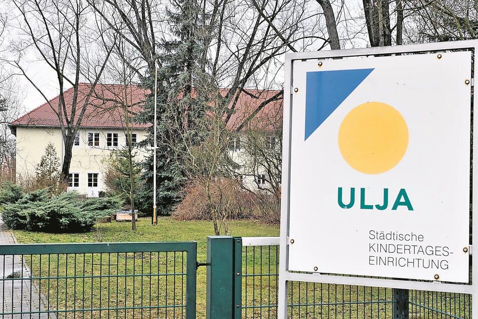 Die Kita Ulja in Weißwasser wurde nach dem zweiten Bauabschnitt der Teilsanierung 2010 in Betrieb genommen. Seit 2011 gibt es trotz vieler Gegenmaßnahmen immer wieder Probleme mit Schimmel.