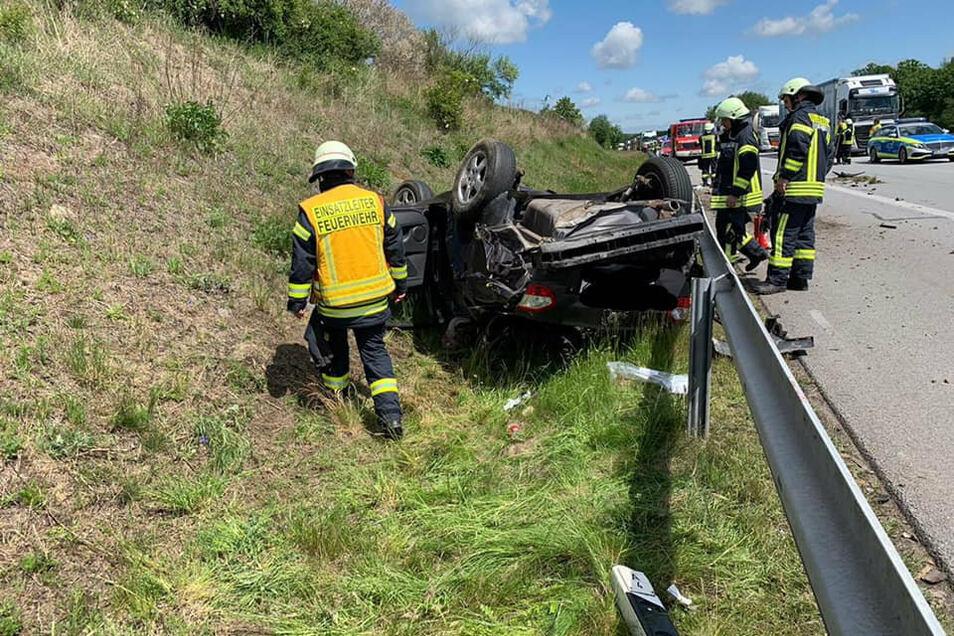 Die Autobahn ist inzwischen auch das Revier der Jänkendorfer Wehr. Technische Hilfeleistung war am 26. Mai bei diesem schweren Unfall zwischen dem Tunnel und der Anschlussstelle Nieder Seifersdorf. gefordert. Hier musste der schwer verletzte Fahrer aus dem Pkw befreit werden.
