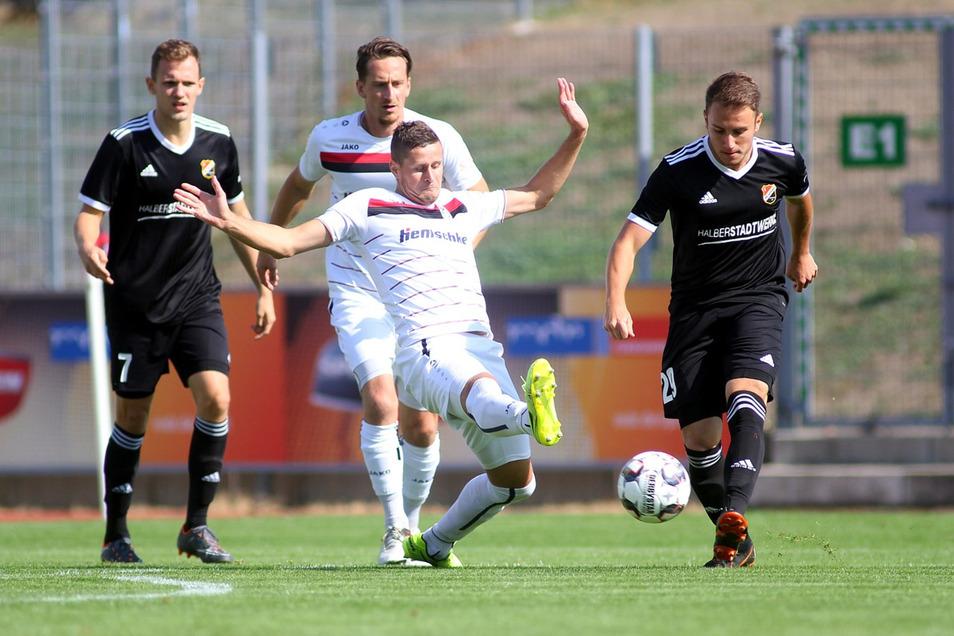 Pavel Patka (M.) hat für Budissa 139 Viertligaspiele absolviert.