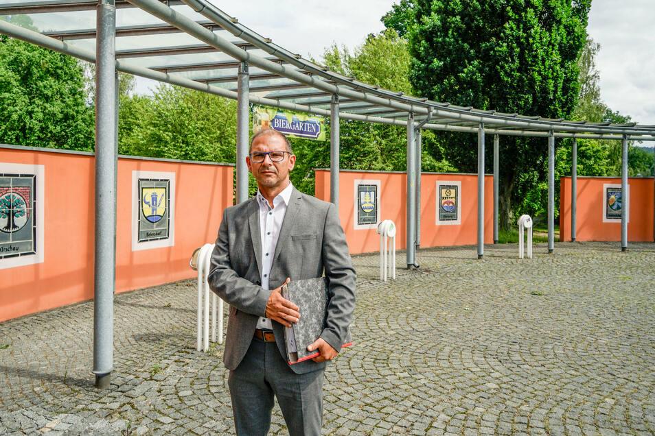 Sven Gabriel, Bürgermeister von Schirgiswalde-Kirschau und Chef des Zweckverbandes, der die Körse-Therme betreibt, hat zur Zeit keinen leichten Job. Seit Beginn der Corona-Pandemie hat das Bad geschlossen. Wann und ob es wieder öffnet, ist unklar.