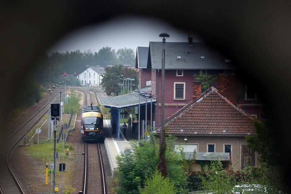 Bislang fahren die Züge von Kamenz in die Landeshauptstadt Dresden nur jede Stunde. Das ändert sich ab 12. Dezember - vor allem zu den Stoßzeiten.