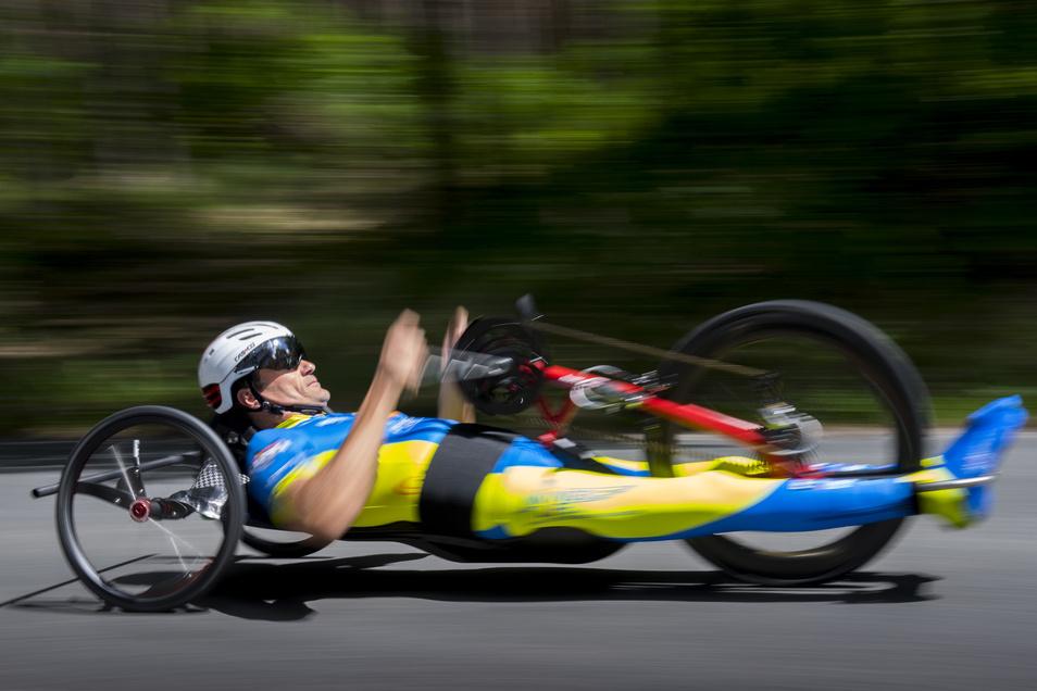 Schafft in seinem speziellen Liegerad unglaubliche Leistungen: Der Weinböhler Rad-Profi Lars Hoffmann möchte am Wochenende einen Weltrekord knacken.