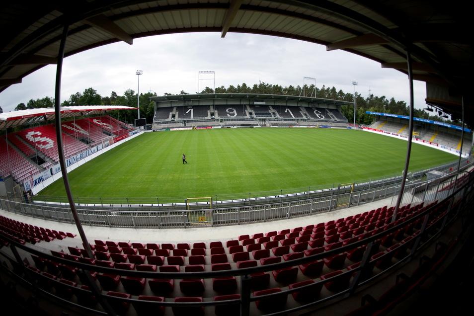 SV Sandhausen | BWT-Stadion am Hardtwald | Kapazität: 15.414 | Auslastung: 4.000 | Auslastung in Prozent: 27.