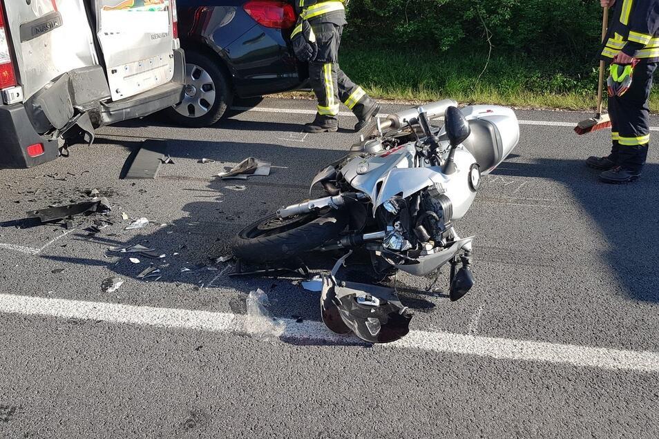 Der Fahrer dieses Motorrads erlitt schwere Verletzungen.