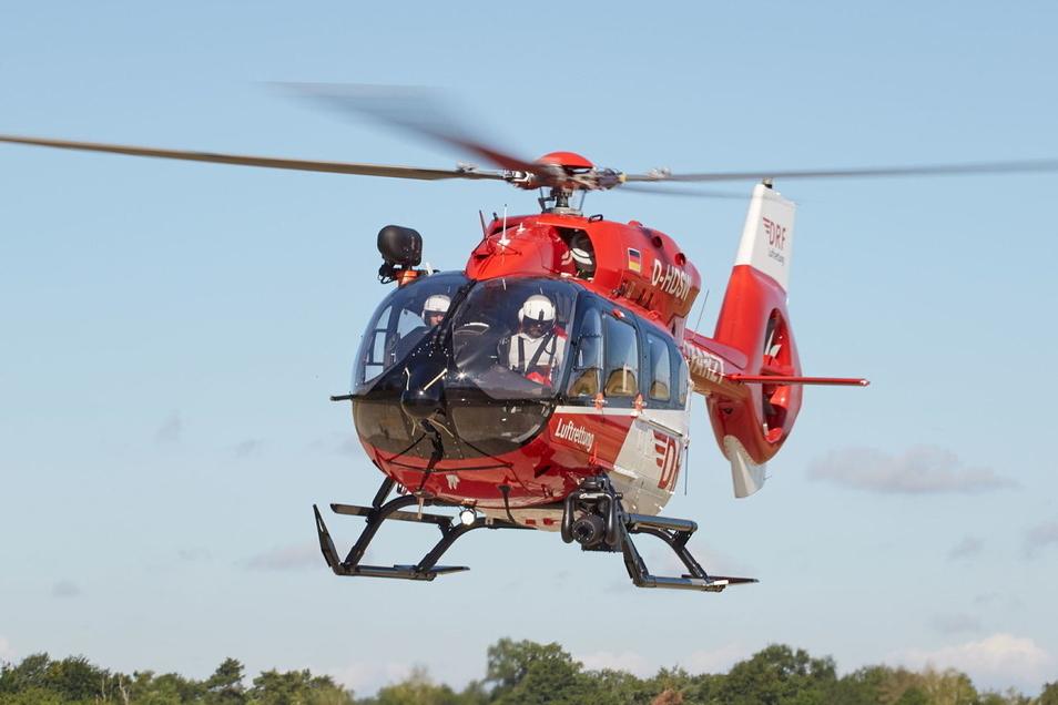 Mit einem Hubschrauber wie diesen wurde der Schüler von Rochlitz in ein Krankenhaus geflogen.