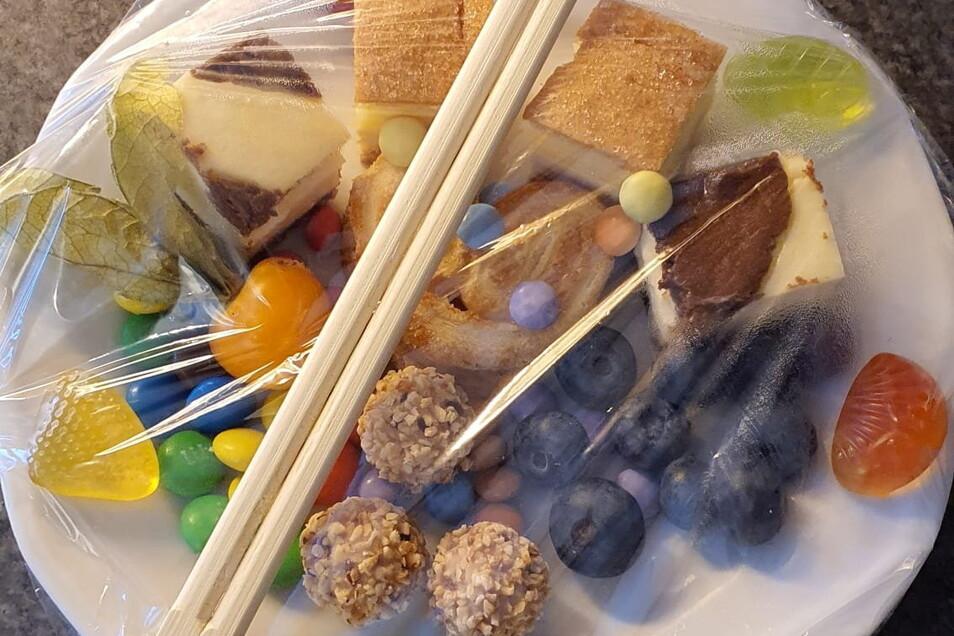 Mit diesem ganz speziellen Sushi wurden die Tokio-Reisenden am Institut für Dopinganalytik und Sportbiochemie in Kreischa begrüßt.