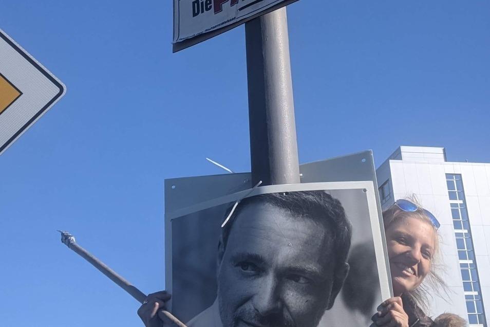 Über 30 Stunden hat Theresa Bergmann Plakate aufgehängt und wieder abgehängt. Dabei waren es gerade einmal 250 Stück.