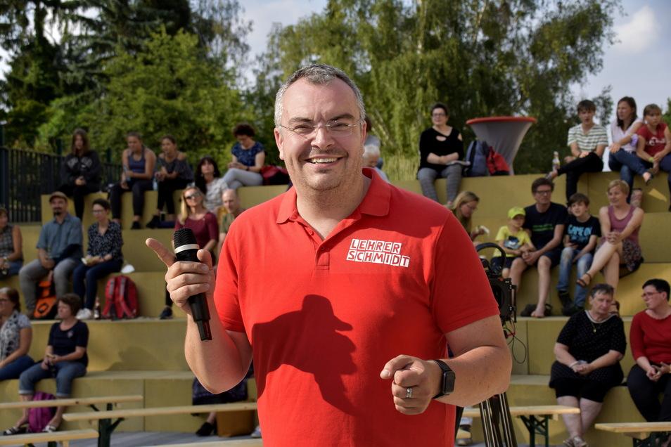Youtuber Lehrerschmidt brachte am Donnerstag die Schüler der SRH-Oberschule in Lockwitz zum Nachdenken - und Lachen.