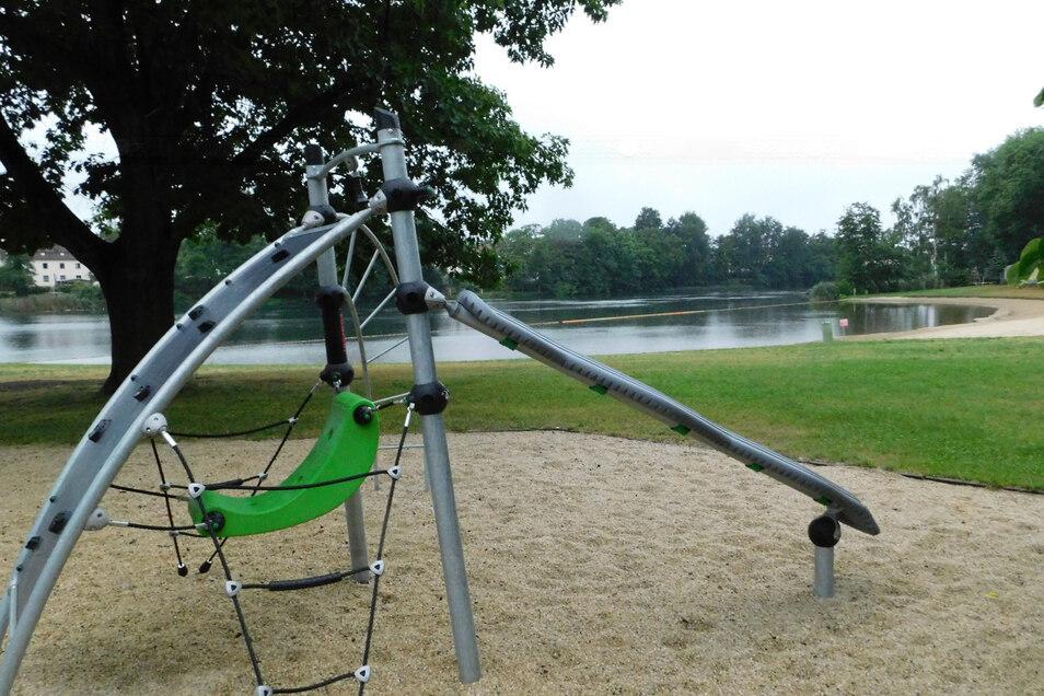 Mit neuen Geräten wurde der Spielplatz im Jahnbad aufgewertet.
